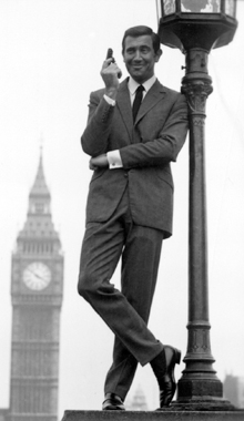 George Lazenby as James Bond 007 - On Her Majesty's Secret Service