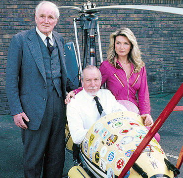 Ken Wallis and 'Little Nellie' with Desmond Llewelyn and Sue Vanner at the 1981 James Bond British Fan Club International Convention